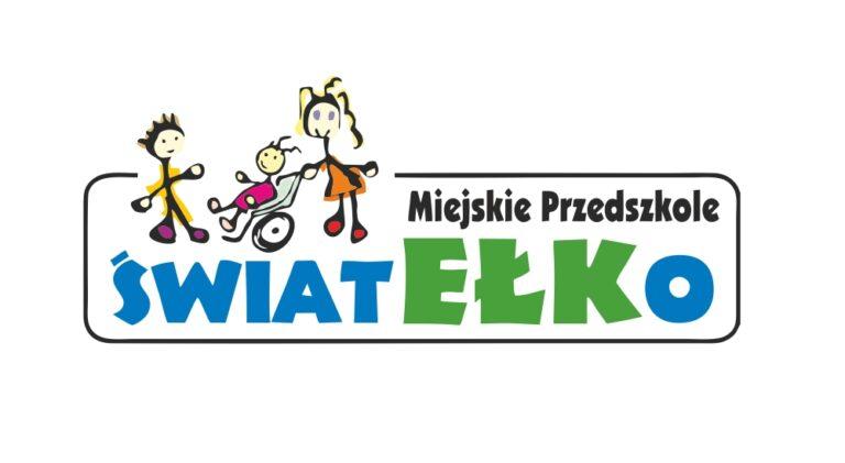 Logo Miejskiego Przedszkola Światełko, 3 bawiących się dzieci